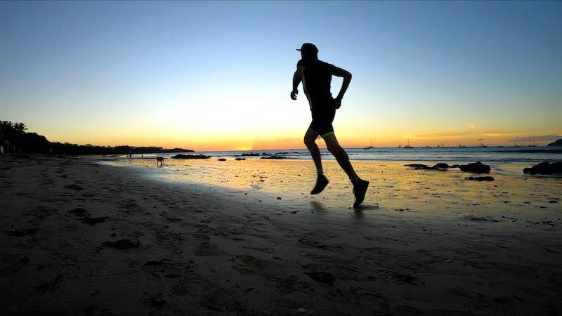 costa-rica-maik-becker-strandlauf-playa-grande