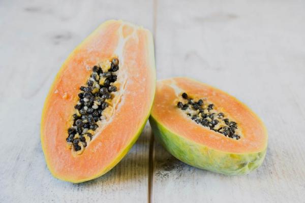 sliced-papaya